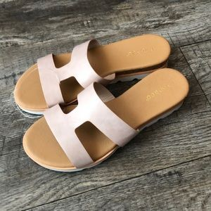 Bamboo pink nude slide sandals nwt